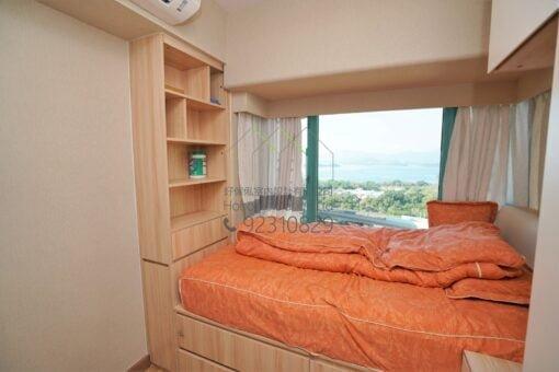 客人在睡房的訂造傢俬有: 睡房/ 床/ 地台床/ 榻榻米/ 睡房貯物櫃/ 床尾櫃