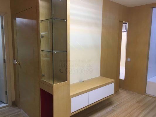 客人在客廳的訂造傢俬有: 隱形門/ 神台櫃/ 客廳貯物櫃/ 飾物櫃/ 視聽組合 / 電視櫃