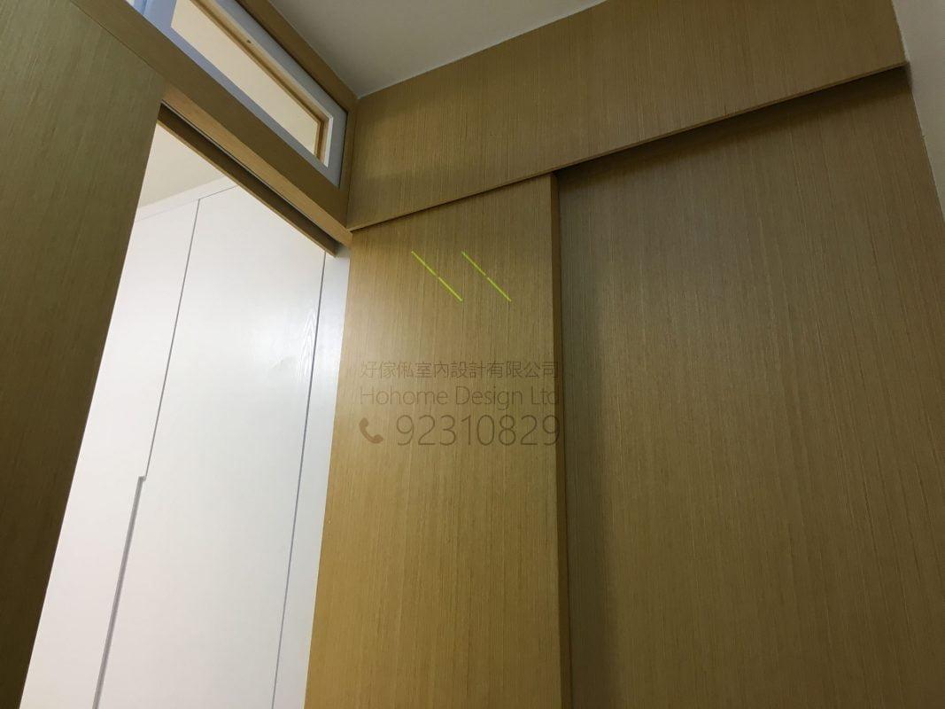 客人在睡房的訂造傢俬有: 房趟門/ 雙面櫃/ 客廳/ 間房牆/ 間房櫃/ 活動透氣氣窗/ 睡房貯物櫃/ 衣櫃