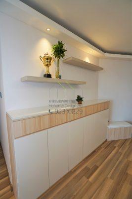 客人在客廳的訂造傢俬有: 客廳/ 客廳貯物櫃/ 鞋櫃