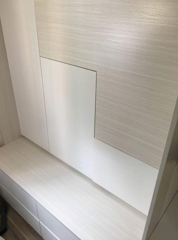 客人在睡房的訂造傢俬有: 視聽組合 / 電視櫃/ 床/ 組合床/上下床/碌架床/L形床/雙層床/ 睡房貯物櫃/ 樓梯櫃/ 衣櫃