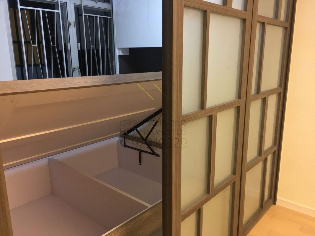 客人在睡房的訂造傢俬有: 客廳/ 間房牆/ 特色間房趟門/ 床/ 地台床/ 榻榻米/ 油壓床/ 睡房貯物櫃