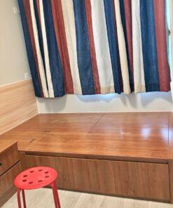 客人在睡房的訂造傢俬有: 睡房/ 床/ 床頭板/ 地台床/ 榻榻米/ 油壓床/ 睡房貯物櫃/ 梳妝枱/ 床頭櫃/ 床側櫃/ 吊櫃
