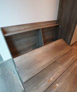 客人在睡房的訂造傢俬有: 睡房/ 床/ 床頭板/ 地台床/ 榻榻米/ 油壓床/ 睡房貯物櫃/ 床頭櫃