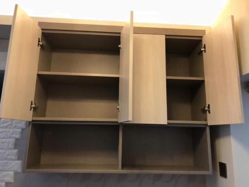 客人在客廳的訂造傢俬有: 客廳/ 客廳貯物櫃/ 客廳儲物櫃/ 吊櫃/ 書櫃