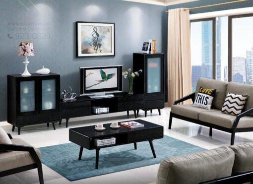 客人在客廳的訂造傢俬有: 客廳/ 視聽組合 / 電視櫃/ 實木傢俬
