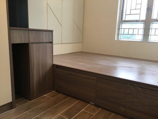 客人在睡房的訂造傢俬有: 睡房/ 床/ 床頭板/ 地台床/ 榻榻米/ 油壓床/ 睡房貯物櫃/ 梳妝枱