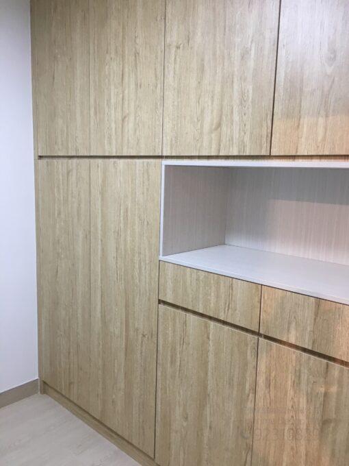 客人在客廳的訂造傢俬有: 客廳/ 客廳貯物櫃/ C字櫃