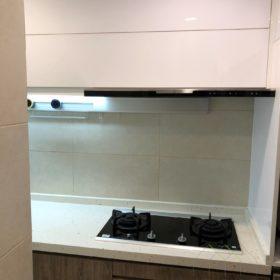 簡潔白色廚櫃