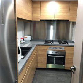 木紋豐富的廚櫃