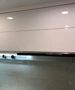 電動升降折疊門/ 無縫石枱面/ 廚櫃