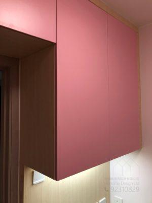 客人在睡房的訂造傢俬有: 睡房/ 吊櫃/ 檯/ 書檯