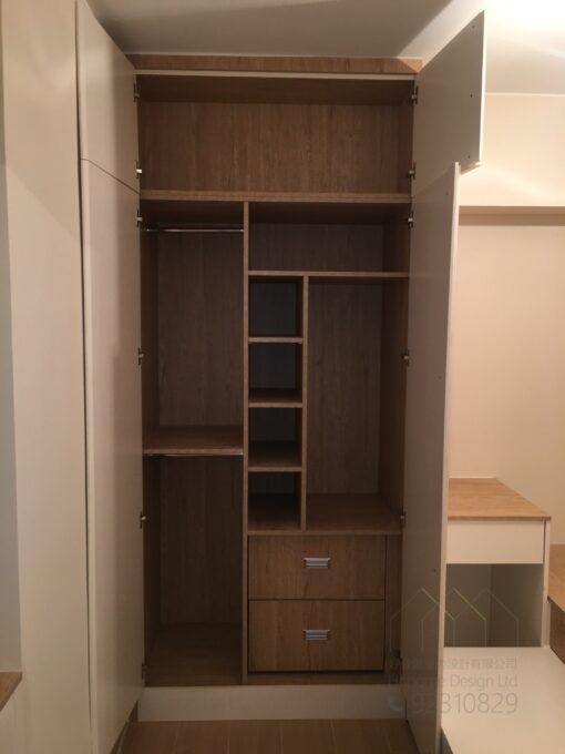 客人在睡房的訂造傢俬有: 睡房/ 睡房貯物櫃/ 衣櫃/ 檯/ 梳妝檯