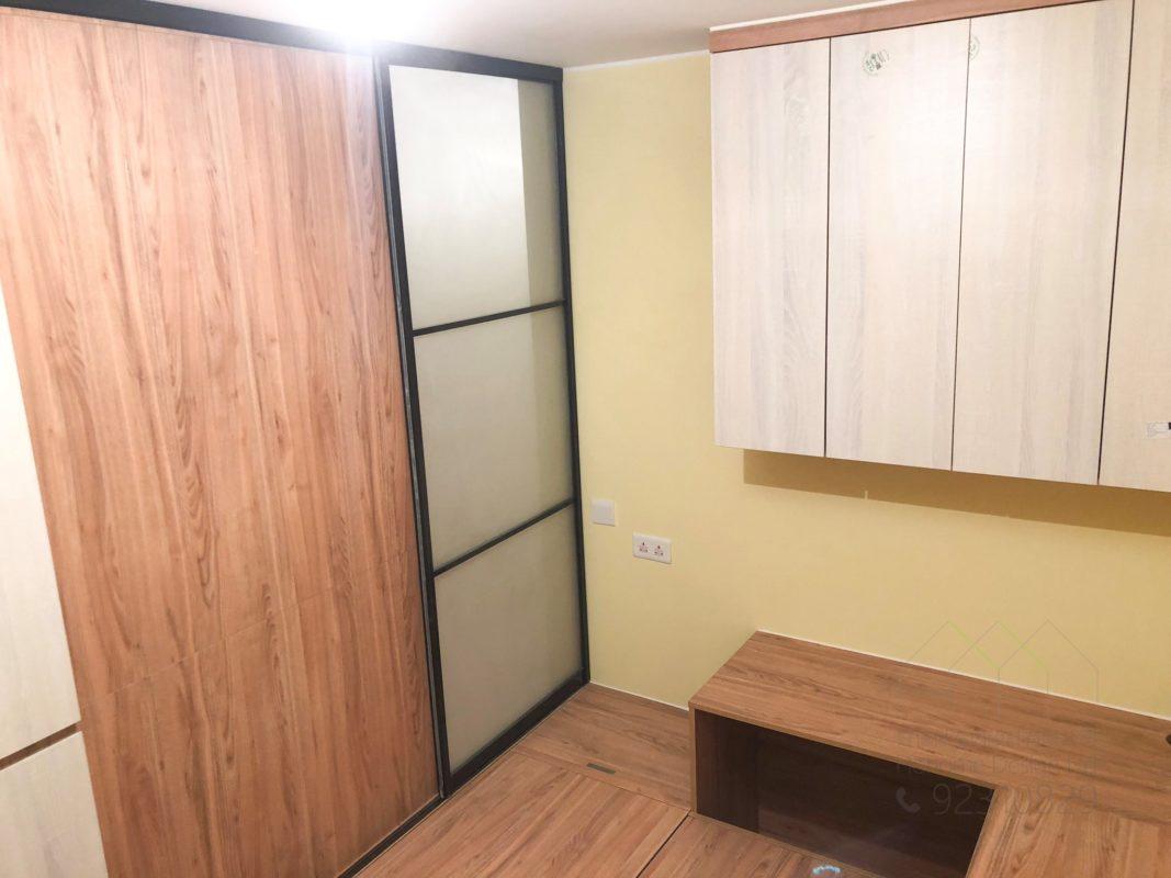客人在睡房的訂造傢俬有: 房趟門/ 間房牆/ 特色間房趟門/ 檯