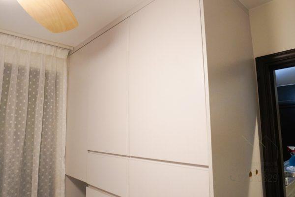 客人在睡房的訂造傢俬有: 睡房/ 睡房貯物櫃/ 衣櫃/ 檯/ 書檯