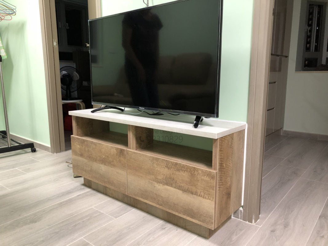 客人在客廳的訂造傢俬有: 客廳/ 視聽組合 / 電視櫃
