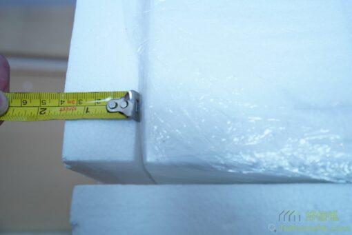 我們用4公分厚的發泡棉保護伸縮餐枱