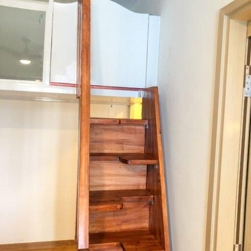 閣樓的上落樓梯