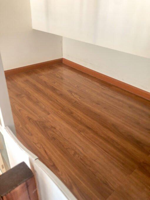 閣樓上層木地板