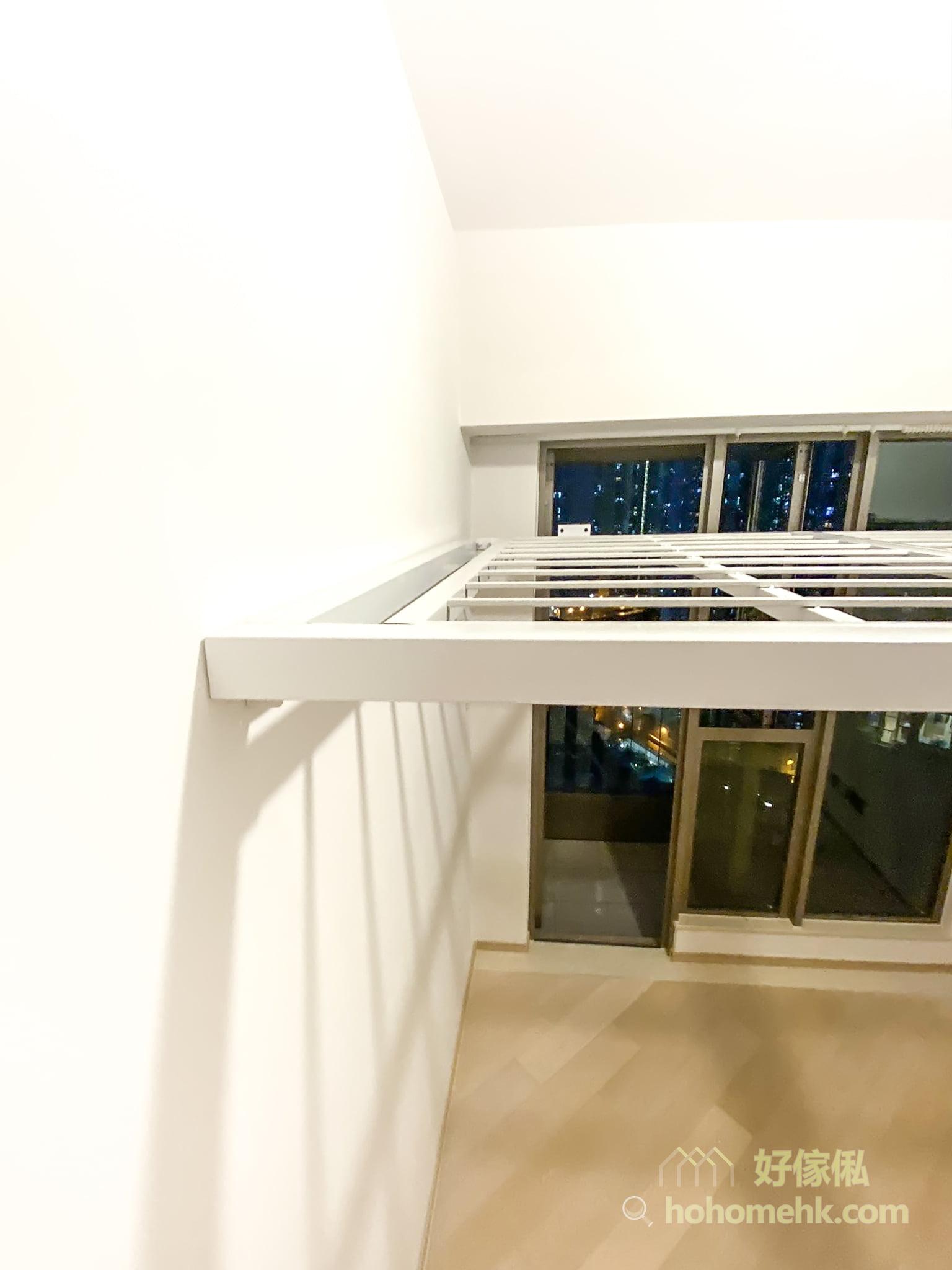 客人可以在淘寶訂閣樓材料及預製鐵架,再找裝修公司幫忙安裝,是最便宜造閣樓的方法