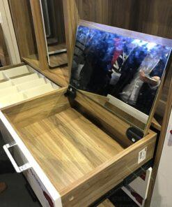 梳妝台的頂揭鏡配備油壓緩衝裝置是訂造傢俬必備