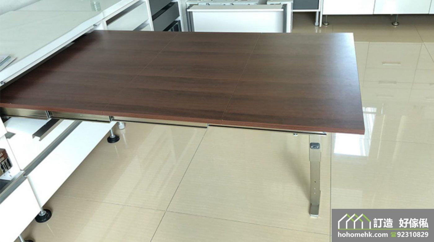 兩公婆撐枱腳必備的伸縮枱,適合應用在訂造儲物櫃、廚櫃及伸縮枱或其他由我們設計師建議的訂造傢俬之上