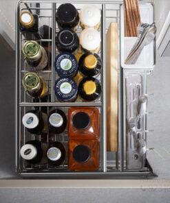 高質素多層不锈鋼廚櫃抽屉式調味料拉籃,適合應用在訂造廚櫃或其他由我們設計師建議的訂造傢俬之上