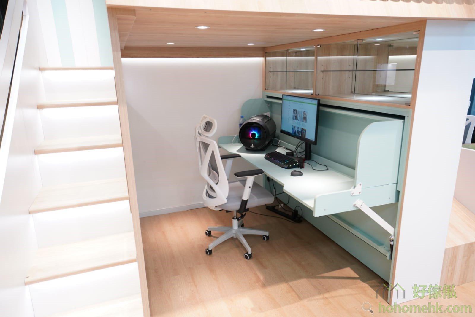 屋仔床看點: 變形書桌床、無框玻璃門飾物櫃