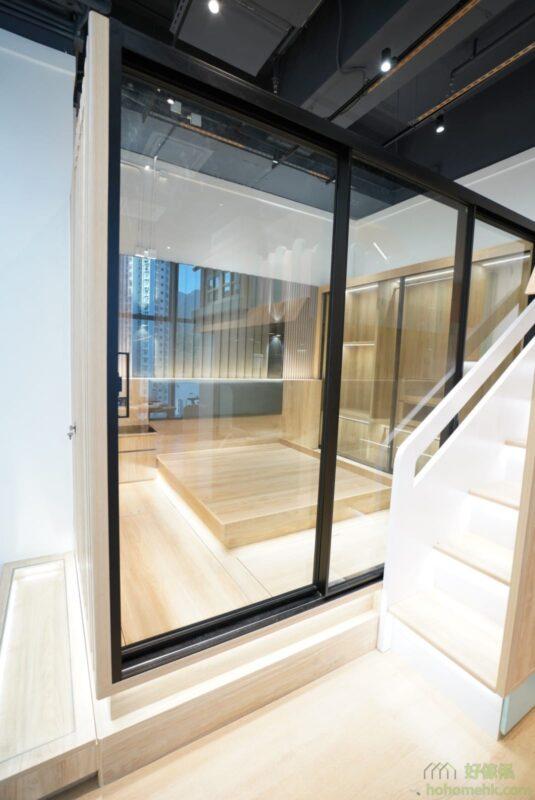 用鋁趟門間房的效果。清玻璃趟門,可以增加分隔的空間感。