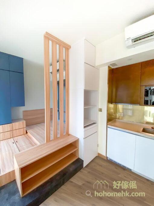 半開放式的睡房, 以木條子屏風間房