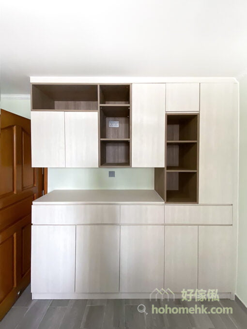 客廳C字櫃, 組合層, 儲物櫃, 減去部分櫃門可降低壓迫感