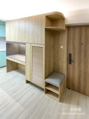玄關櫃包含鞋櫃、展示櫃、小抽屜、雨傘架、層架等多功能收納,是保持家居整潔的關鍵