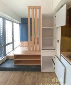 半開放式的睡房, 以不同板材區分儲物櫃用途