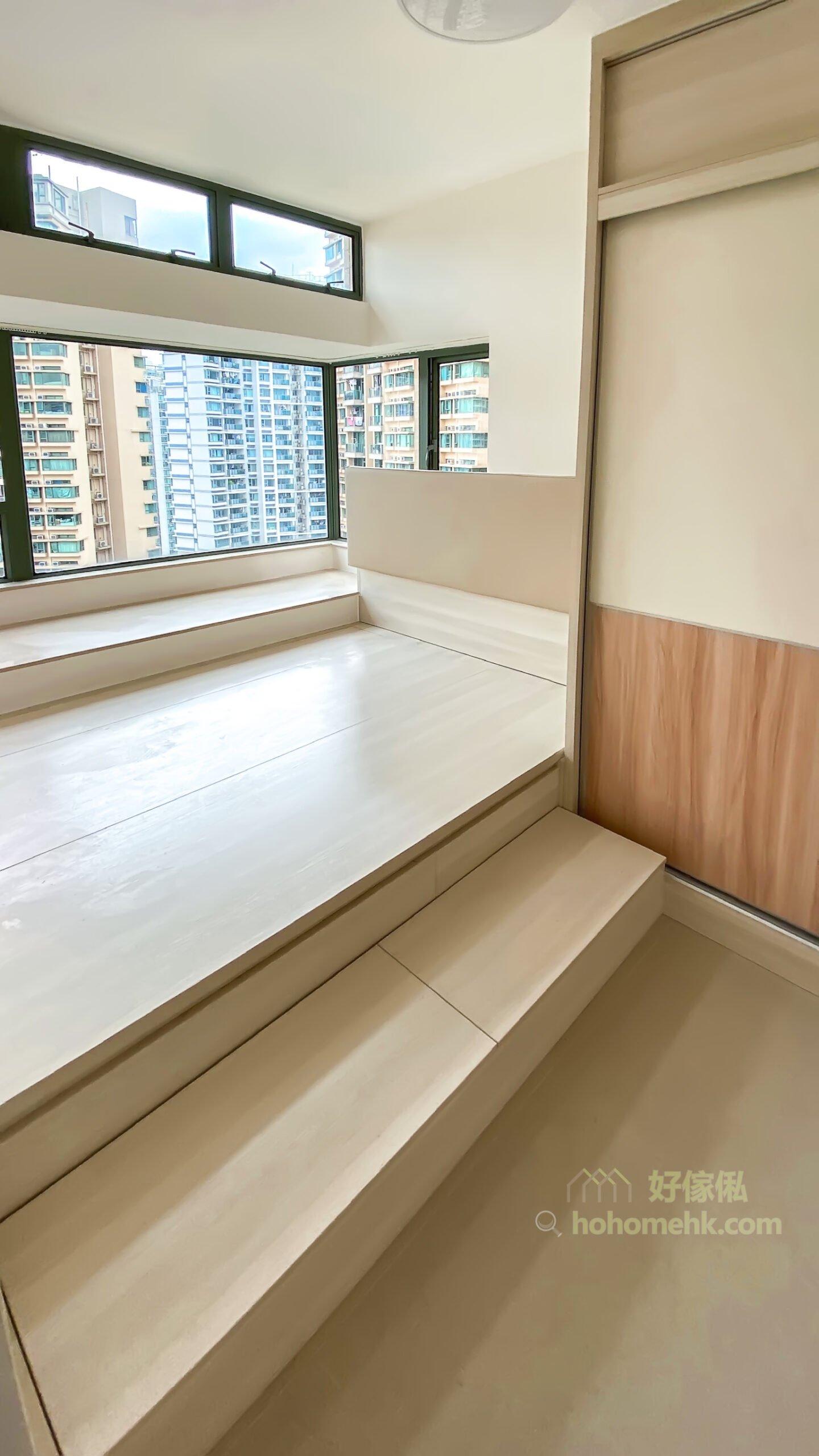 半地台睡房, 地台床連衣櫃設計, 別把窗台遺忘, 窗台可以提供多一個休閒空間