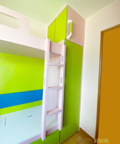 在兒童房內設計造型把手,既實用又增添空間的趣味性