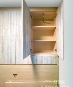 變形側翻床上方的儲物櫃