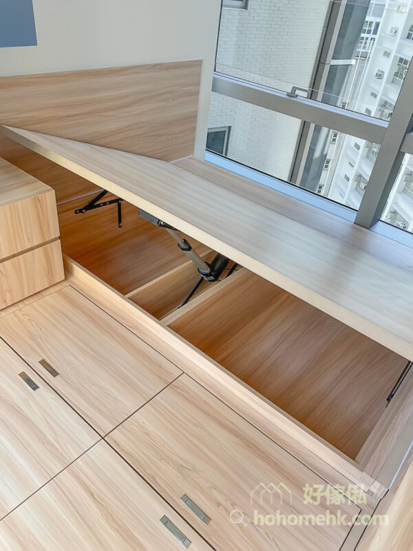 半開放式的睡房, 側翻式電動油壓床一個人都可以輕鬆使用