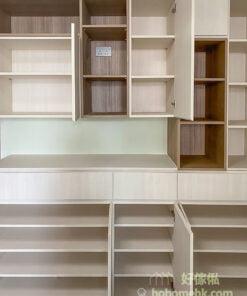 客廳C字櫃, 組合層, 儲物櫃, 結合使用不同材質或不同紋理的板材設計,讓C字櫃的氣質提升一大截