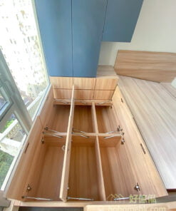 半開放式的睡房, 以全房地台為主, 減少高身櫃, 空間瞬間變大