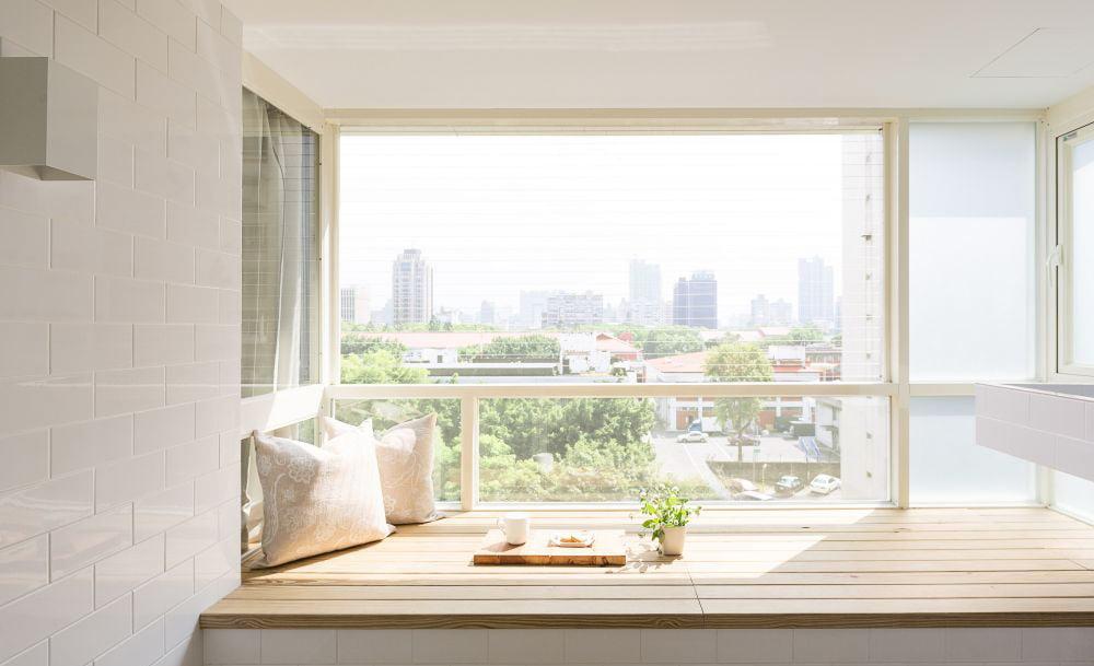 利用睡房窗台打造寧靜的玩樂小角落