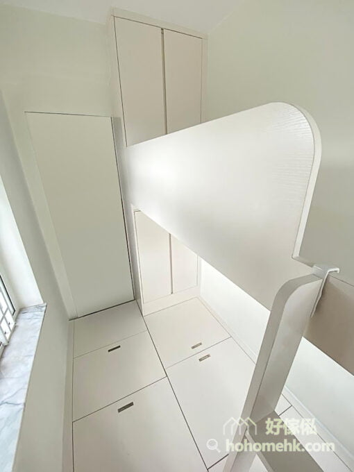 睡房的上下格床, 碌架床連儲物地台及衣櫃