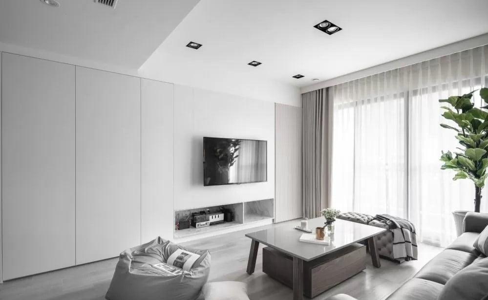 訂造間牆櫃連房門 , 讓空間風格更一致