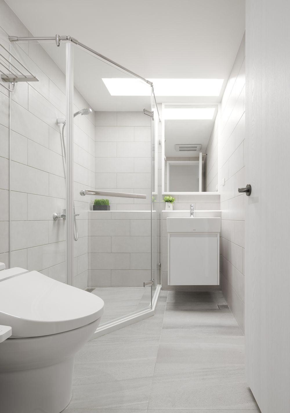 純白設計的浴室櫃, 清爽整潔