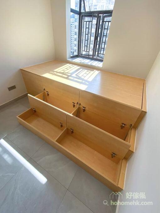 加高地台的設計,最好配合多級的樓梯櫃,上落才不用太費力。