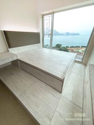 油壓床連地台及書枱/梳妝枱, 床邊地台代替衣櫃完美收納