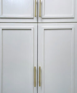 極簡主義風格睡房設計, 黃銅拉手讓空間變得跳脫