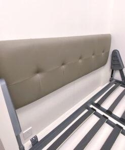 電動變形直翻床/沙發床, 床頭軟包選用跟沙發同款的皮革或布料, 令空間風格自然不違和