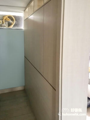 用櫃間房比只用木板間房的好處是隔音效果更出色,因為儲物櫃放了日用品和衣服之後,其實可以做到一個不錯的隔音效果