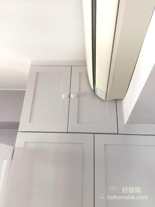 衣櫃顏色是與碌架床風格統一的白色調,櫃門以簡單的花線襯托,再加上小巧的圓形把手,令高身的衣櫃瞬間變得輕柔淡雅