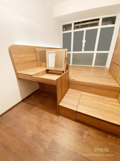 咖啡色地台床連衣櫃